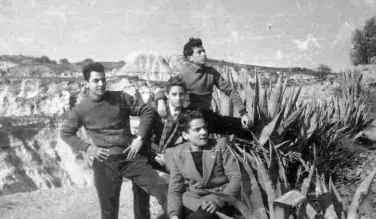 Roccella ottobre 1954. Alle muntagneje: Mario Tobia, Vito Taverniti, Francuccio, il Triestino